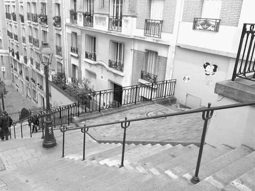 Les marches rue Mont Cenis width=