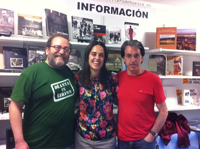 Chesús Yuste, Irene Abad y Julián Casanova, en la Feria del Libro de Huesca, 2/05/2012