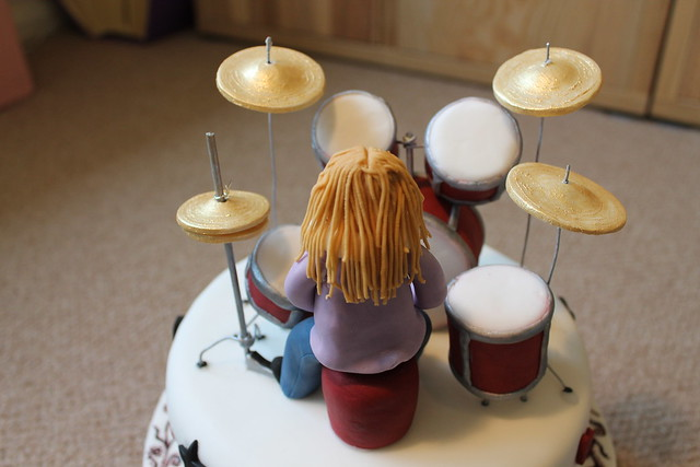 Drum kit cake