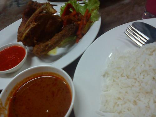Nasik Kukus Ayam Kampong Berempah by Ammyzyliyana
