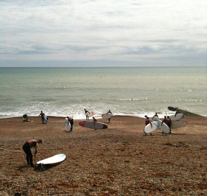 brighton_surfers