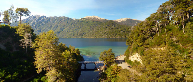 Río y Lago Correntoso
