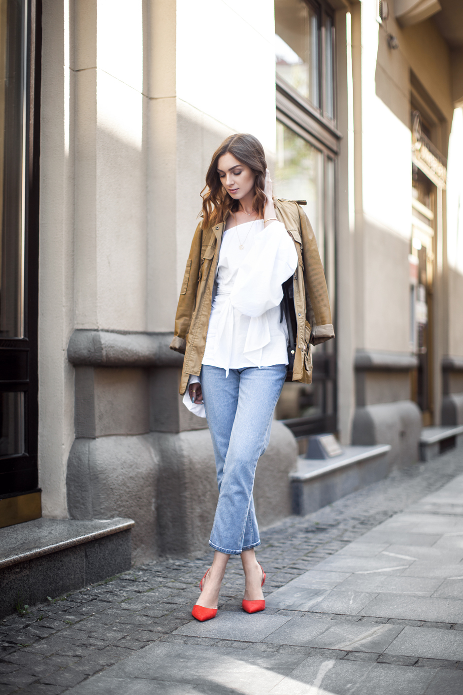 white-top-flared-sleeves-bell-sleeves-street-style