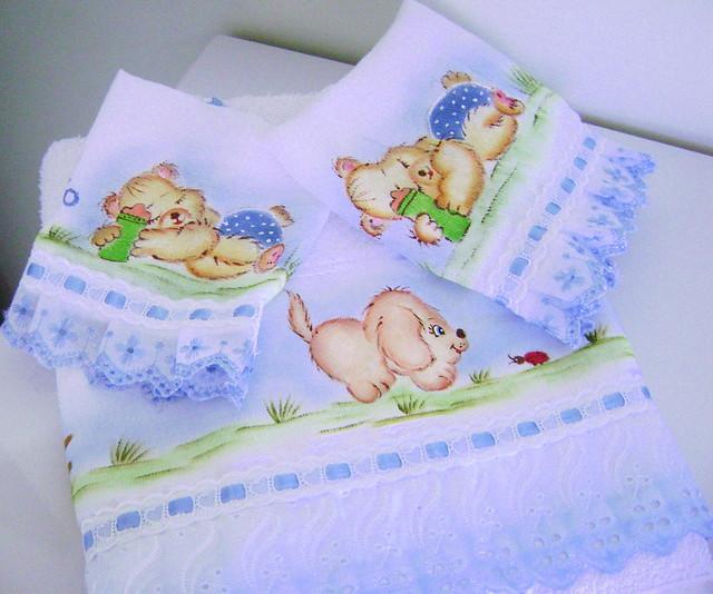 toalha e fraldas pintadas a mão