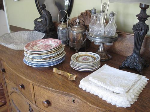 Sideboard, dessert plates, napkins