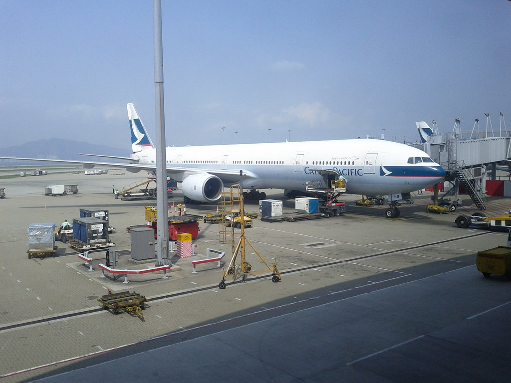Cathypacific 777-300