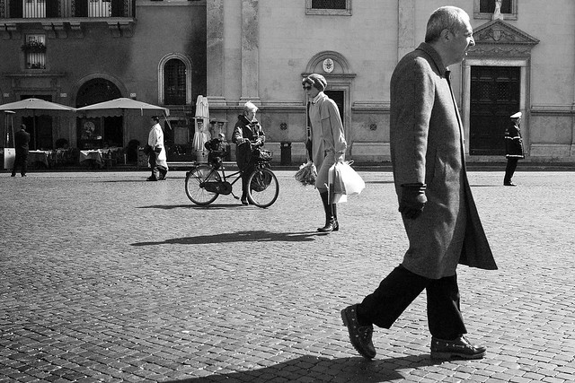 Human levels - Fantastic Black and White Street Photographs