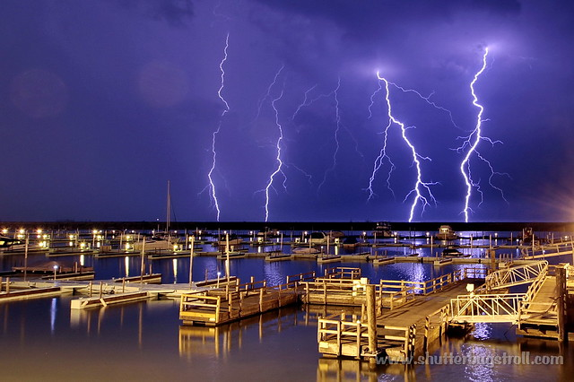 2012-05-04-HARBOR-LIGHTNING-006