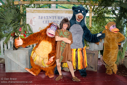 Meeting the cast and Characters of Adventureland Celebrates!