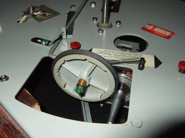 Idler wheel Lenco B52 Turntable   Flickr - Photo Sharing