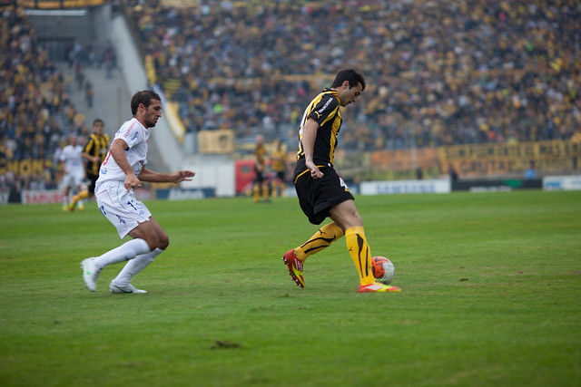 Nacional 3 - Peñarol 2 | 120520-1181-jikatu from Flickr via Wylio