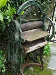 Gold Hill Museum - Shaftesbury - garden - rolling machine