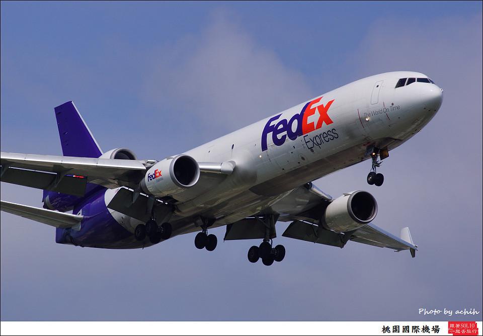 FedEx N596FE貨機