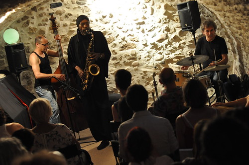 Hip Jazz Trio by Pirlouiiiit 16062012