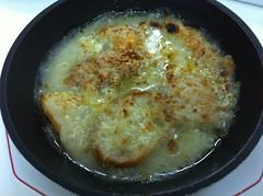 Sopa de cebolla gratinada 64