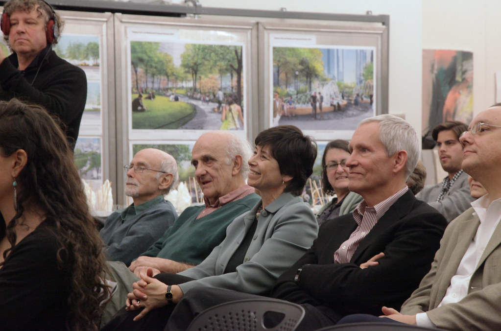 (Center) Lecture guests included AAP alumna and Advisory Council  member Jill Lerner (B.Arch. '76).