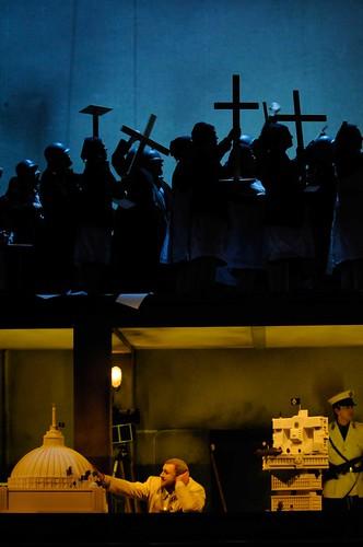 RIENZI | Torsten Kerl als Rienzi, Chor der Deutschen Oper Berlin