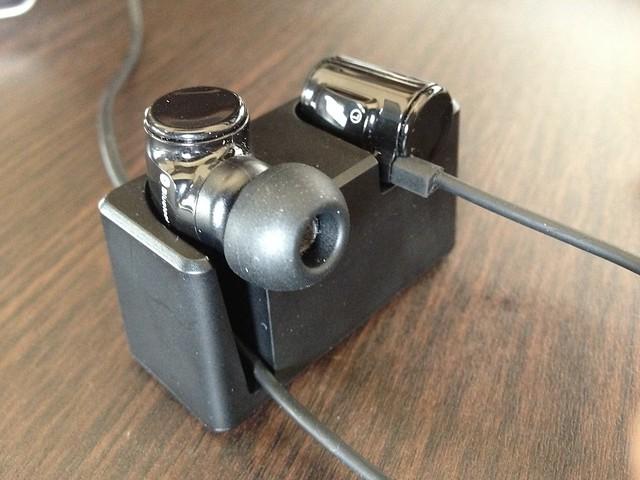 Bluetoothイヤホン LBT-MPHP04A 充電器