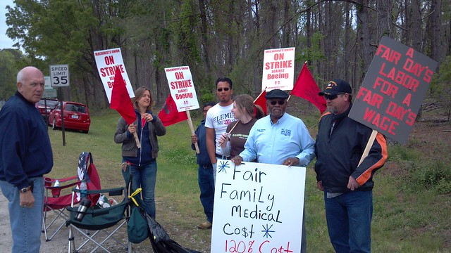 FLOC shows solidarity with IAMAW strikers