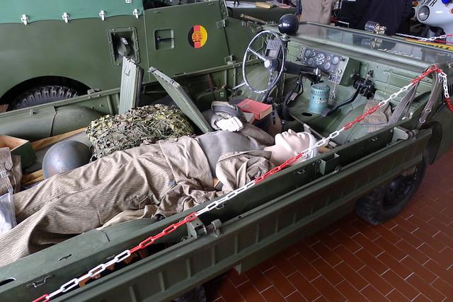 Geschädigtentransportfahrzeug LuAZ-967