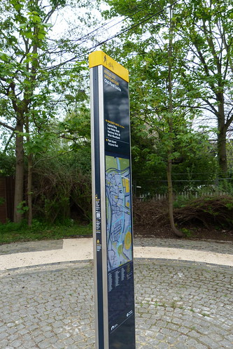 Signpost, Old Ford Lock, River Lea Navigation. by LoopZilla
