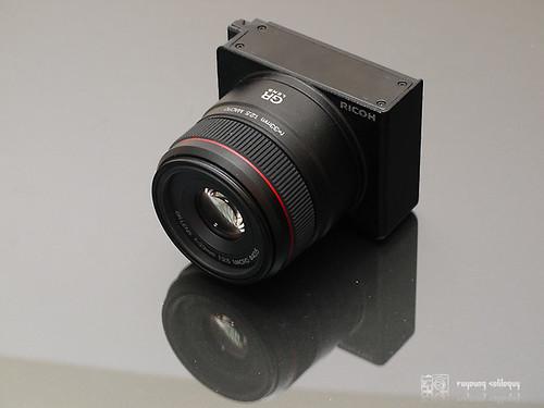 GXR_A12_50mm_intro_02