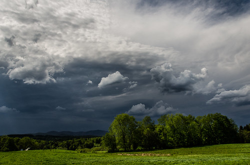 storm nature weather clouds landscape outside scary nikon vermont front nikkor waterbury 18105 fav10 d7000