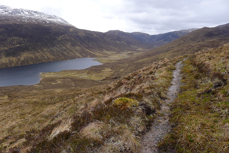 On the track above Loch na Caoidhe