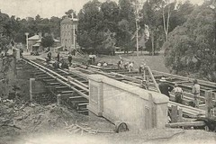 Building the Gawler Bridge over the South Para, c.1907