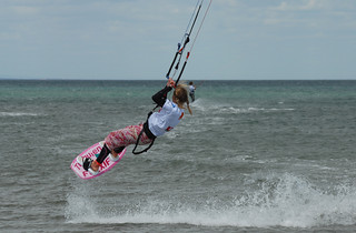 El excitante kitesurf.