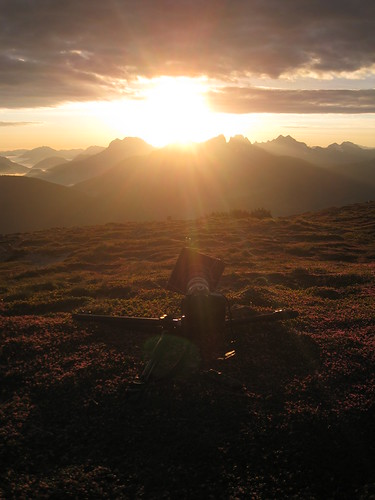 """sun mountain berg clouds sunrise canon eos dawn austria is österreich am venus wolken ixus transit 7d sumit sonne stein sonnenaufgang manfrotto mandl morgenrot gipfel 960 rottenmann mandl"""""""