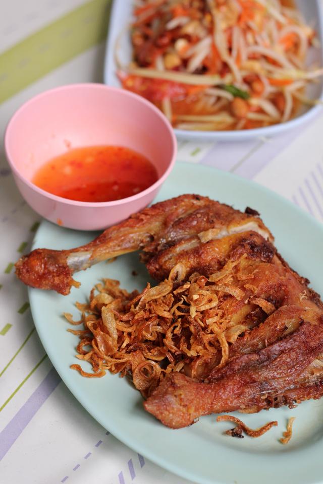 Gai Tod (Fried Chicken) ไก่ทอด