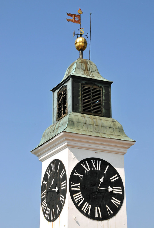 Serbia-0326 - Reversed Clock.....!!!!