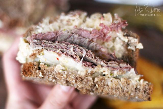 Reuben Sandwich, Essen