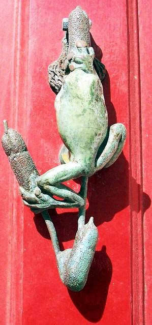 39 frog 39 door knocker i saw this unusual and i think lovel flickr photo sharing - Unusual door knocker ...