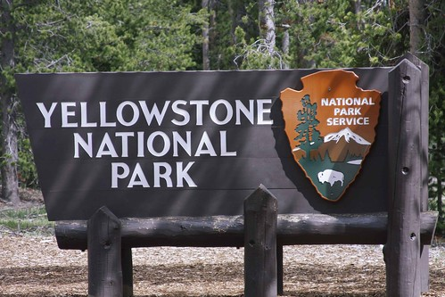 yellowstonesign_blog