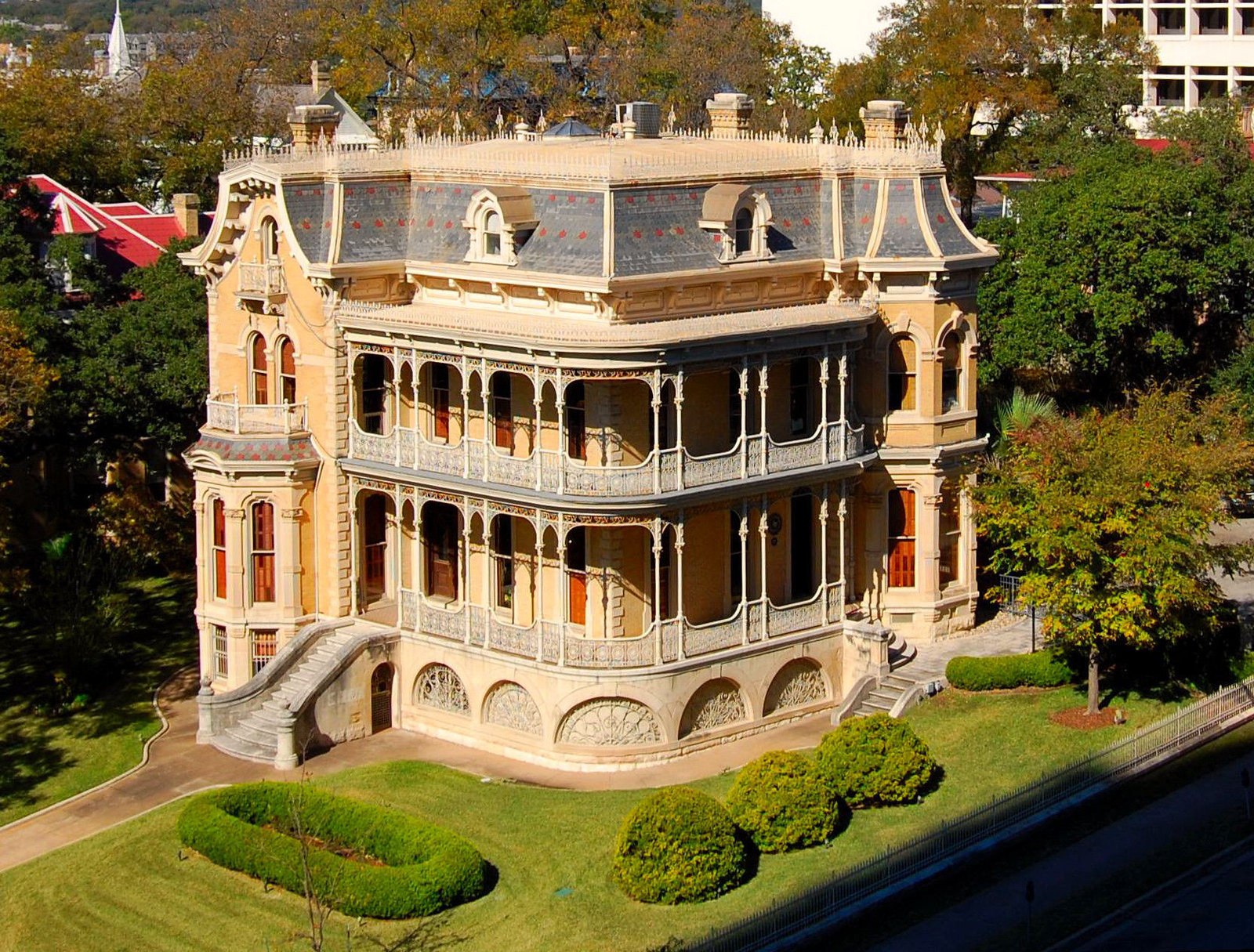 10 historic victorian homes from the great state of texas for Austin house
