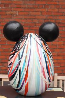 Immagine di St Paul's Church. streetart london elephantfamily thebigegghunt
