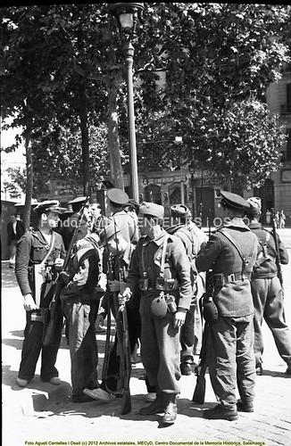 Barcelona, hechos de mayo de 1937. by Octavi Centelles
