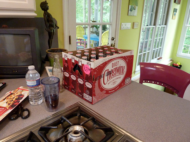 P1090067-2012-06-09-BBQ-Peaches-Cheerwine-Arrive