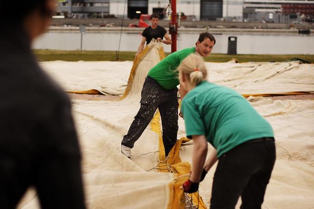 """Det største festivalteltet, eller """"Gilde-teltet"""" som det heter i programmet til Oslo Middelalderfestival, bygges først."""
