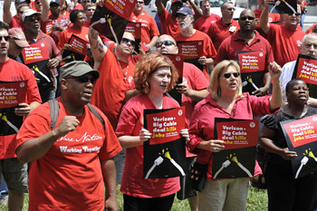 Nearly 200 CWA members from five states rallied outside the Federal Communications Commission, calling for conditions on the Verizon Wireless-Big Cable deal