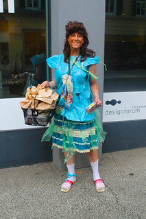 Katharina in ihrem selbstgemachtem Outfit