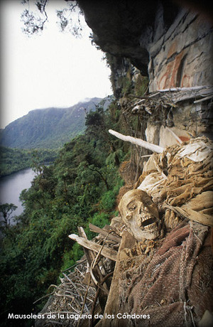 mausoleos-laguna-de-los-condores-amazonas2