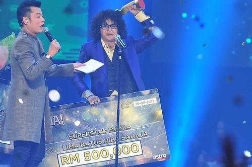 7227498976 d00dd24809 Hafiz  juara  Mania 2012...tahniah | Gambar Hafiz af7 juara Mania