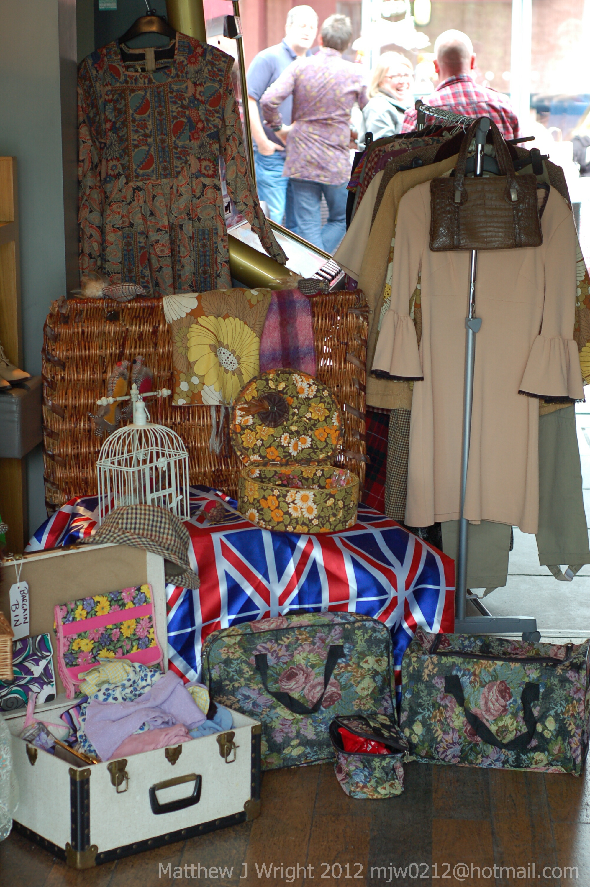 Flossies Vintage Clothing and Craft Fayre at The Forum Bar Ormskirk May 2012