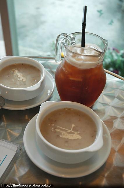 Santorini Cafe - Mushroom Soup