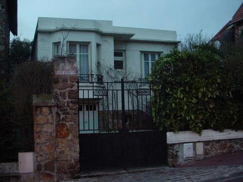Azblue maison au St. Cloud, France