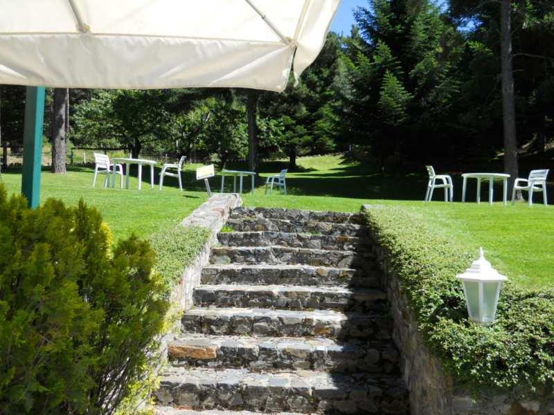 Jardineros en acci n dise os de escaleras para jard n y for Escalera de bloque de jardin