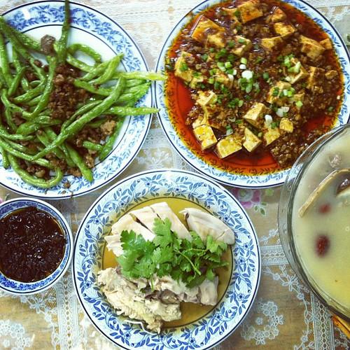 Pretty darn tasty Chinese: ร้านก๋วยเต๋ียวน้ำเงี้ยว, ห้วยขวาง